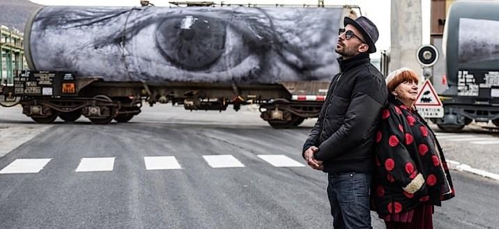 visages_villages_-_usine_arkema_-_avjr_dos_a_dos_camion_collage_oeil_av